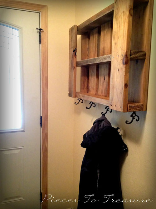 Coat Rack from Pallet