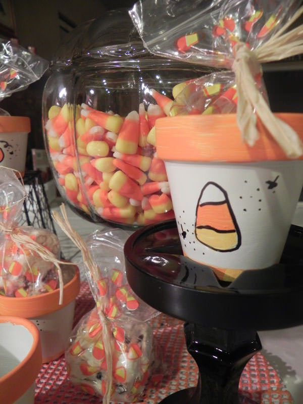 25 Candy Corn Projects to Brighten Your Day--Candy Corn Treat Pots