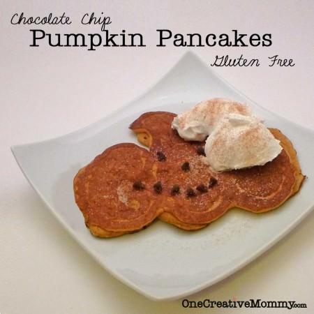 Pumpkin Shaped Pancakes Tutorial {OneCreativeMommy.com} #fall #pancakes