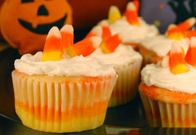 25 Candy Corn Projects to Brighten Your Day--Candy Corn Cupcakes