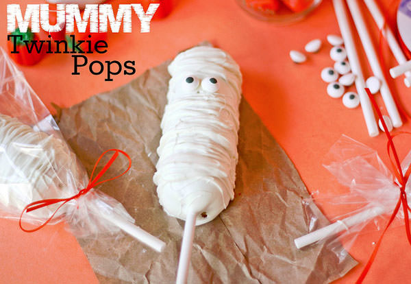 Halloween Mummy Crafts on OneCreativeMommy.com {Find the full project on Confessions of a Cookbook Queen}