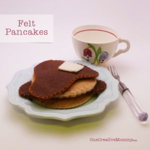 Felt Pancakes and French Toast Tutorial with Free Pattern (New to felt food? Give the pancakes a try. They are so simple!)