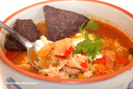 Too busy to cook? Try this Quick and Easy Busy Day Chicken Fajita Soup. Soo yummy! {OneCreativeMommy.com}