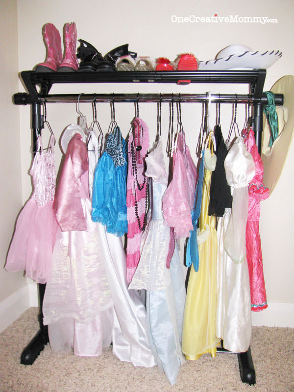 Dress Up Storage Ideas for Kids - onecreativemommy.com