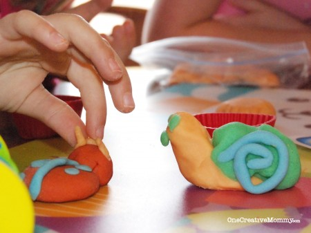Gluten-Free Play Dough Recipe Review and Tips from OneCreativeMommy.com -- I tried three recipes to see which was the best! #glutenfree #playdough