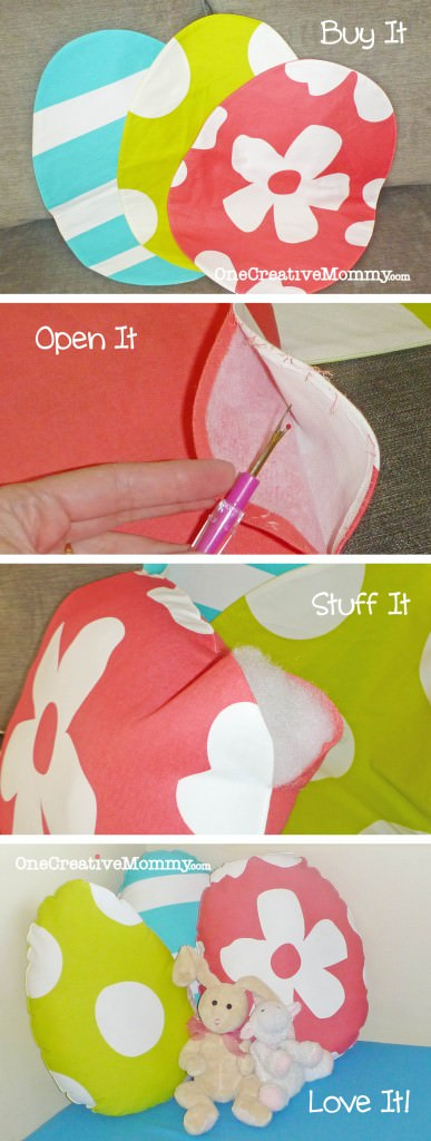 Upcycle Placemats to Pillows:  Turn seasonal placemats into holiday pillows in three easy steps!