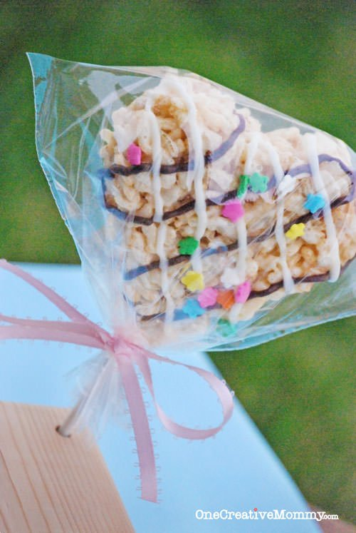 Quick and Easy Frosted Rice Krispie Treats in 30 Minutes or Less! You won't believe how easy it is to make this frosting with one ingredient and no special tools! {OneCreativeMommy.com}