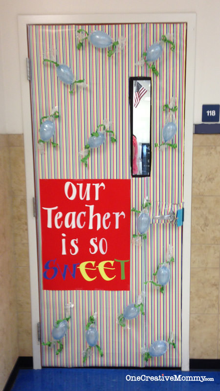 25 Teacher Appreciation Door Ideas from OneCreativeMommy.com {Our Teacher is So Sweet!}