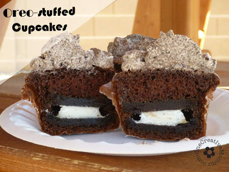 Must-try Oreo-stuffed Cupcakes {Just try to eat one without getting frosting on your nose. I dare you!}