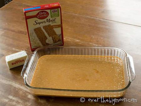 Gooey Pumpkin Cake {OvertheBigMoon.com}