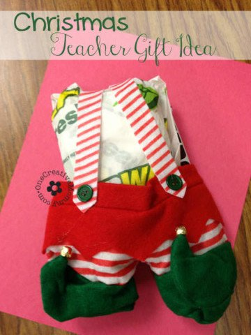 The Perfect Teacher Christmas Gift {Bring in Lunch on a Busy Day, and make it fun!} OneCreativeMommy.com