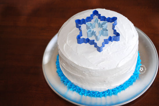 Easiest Ever Disney Frozen Birthday Cake! {OneCreativeMommy.com} Process Step 2 #frozenpartyideas