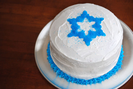 Easiest Ever Disney Frozen Birthday Cake! {OneCreativeMommy.com} Process Step 5 #frozenpartyideas