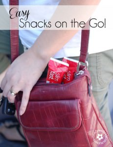 Easy Snacks on the Go--Do you grab junk food when you need a snack in a hurry? Change your habits with the #Slimfast 14-Day Slimdown {OneCreativeMommy.com} #PMedia #ad