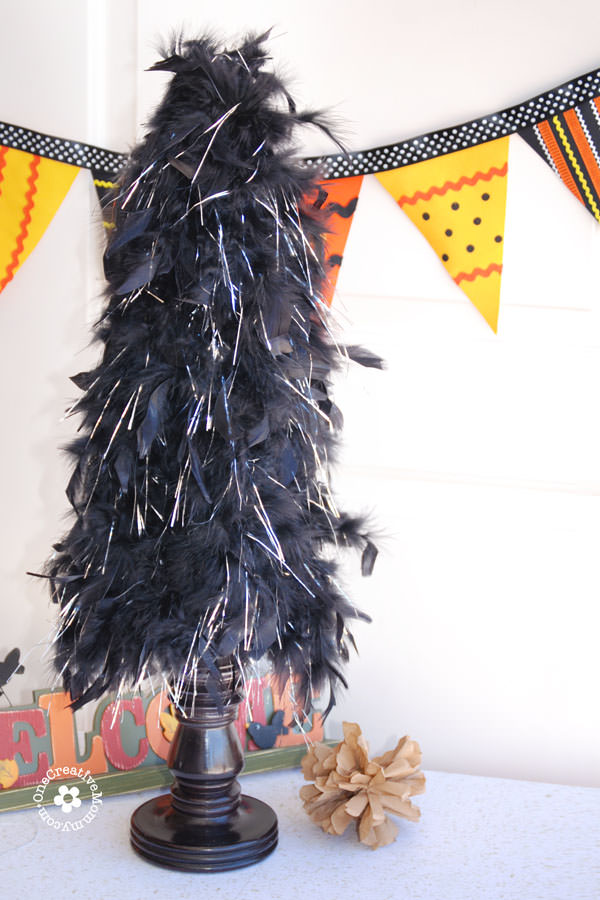 Pier 1 Inspired Halloween Feather Tree {OneCreativeMommy.com} #feathertree #halloweendecor