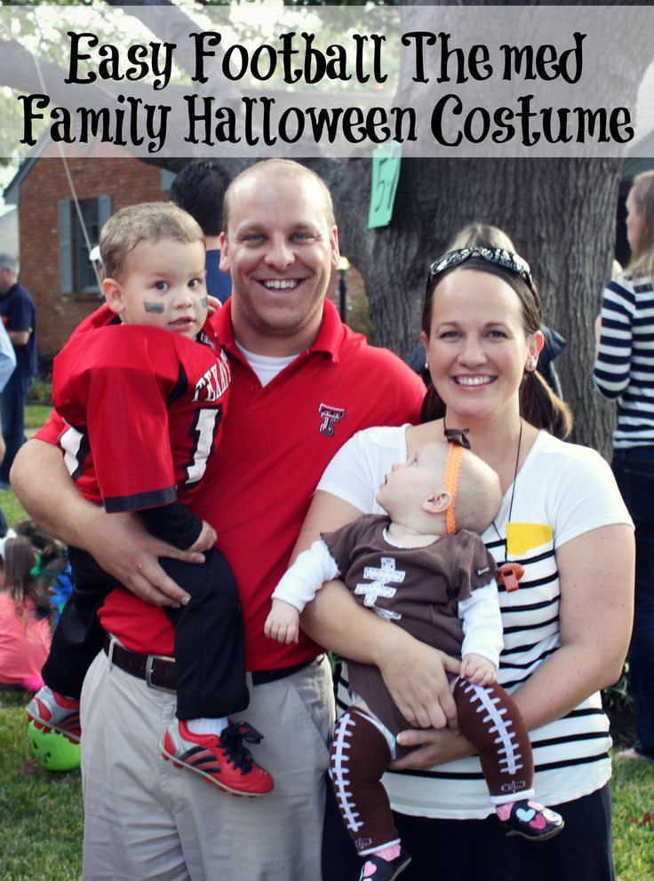 15 Awesome DIY Halloween Costumes for Couples and Families {OneCreativeMommy.com} Find these costumes on BareFeetOnTheDashboard.com