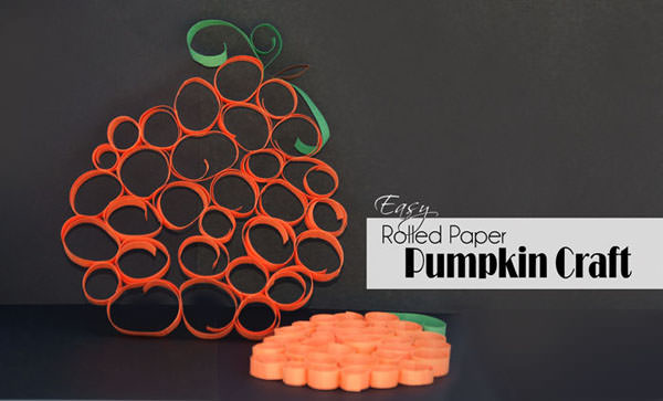 Easy Rolled Paper Pumpkin Craft {Perfect Fall Craft for Kids!} OneCreativeMommy.com #fallcraft #pumpkin #kidscraft
