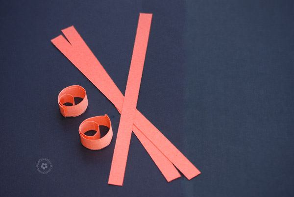 Easy Rolled Paper Pumpkin Craft {Perfect Fall Craft for Kids!}