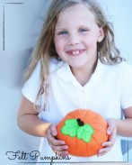 Felt Food Tutorial: Fall Pumpkins! {OneCreativeMommy.com}
