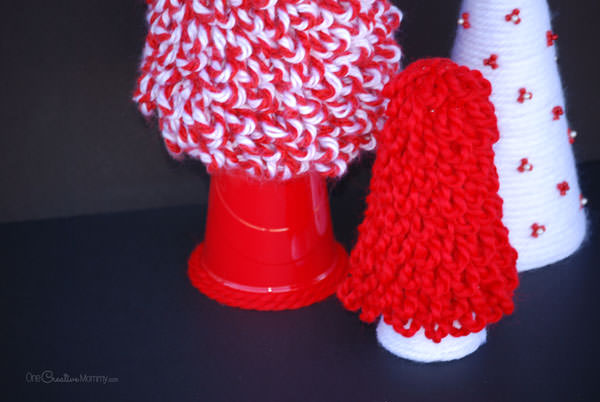 Easy Knotted Yarn Christmas Tree Decor {OneCreativeMommy.com} DIY Christmas Decorating Ideas
