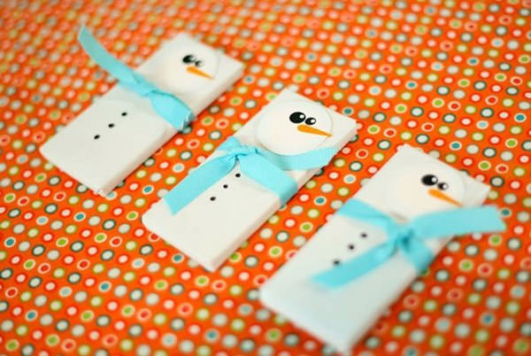 Snowman Crafts and Gift Ideas from OneCreativeMommy.com {Snowman Candy Wrappers and Party Favors from Spaceships and Laser Beams}