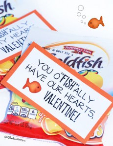 These cute printable valentine cards are so simple! Just print and attach it to your favorite flavor of goldfish crackers. {Perfect for classroom valentines and for family and friends} OneCreativeMommy.com