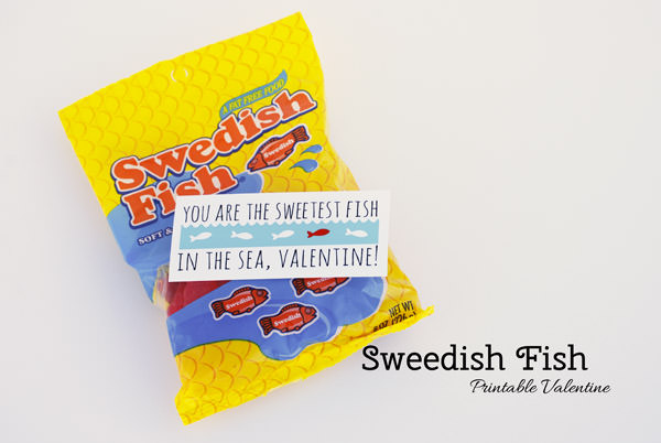You are the Sweetest Fish in the Sea, Valentine! {Sweedish Fish or Goldfish Crackers Valentine Printable from OneCreativeMommy.com {Part of 14 Days of Printable Valentines}