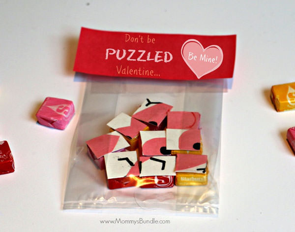 {Valentine Puzzle} One of 25+ Cute Valentine Crafts for Kids rounded up on OneCreativeMommy.com {Come see them all and visit and pin your favorites}
