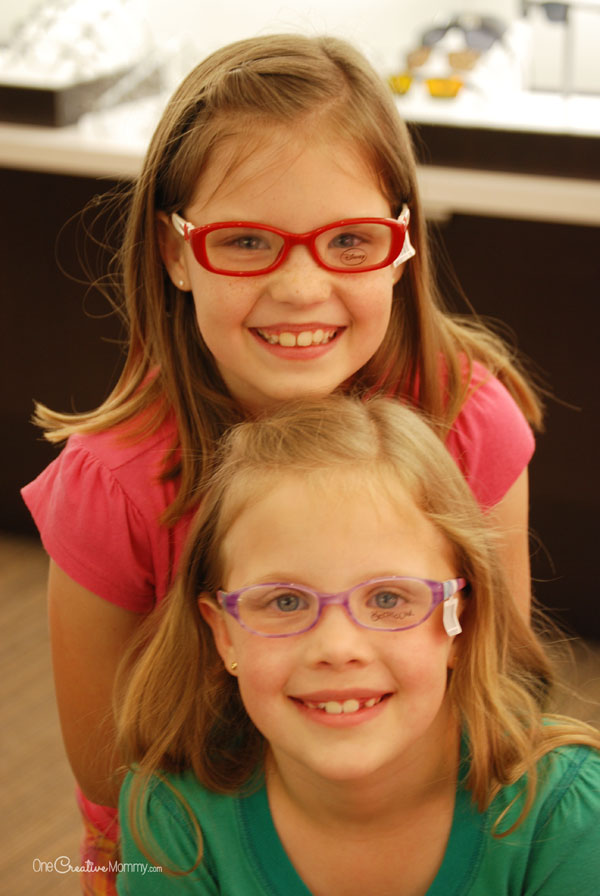 Help kids get the most out of life with the gift of good vision! (Find out how you can give the gift of good vision to children in need with #EyeGiveBack and VSP) OneCreativeMommy.com