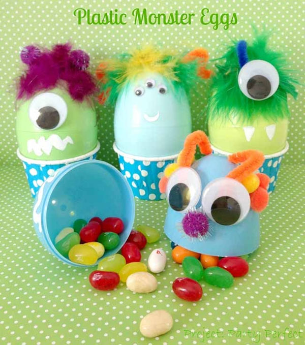 Cute Easter Kids Craft Roundup on OneCreativeMommy.com {Fun Monster Eggs Craft and more}
