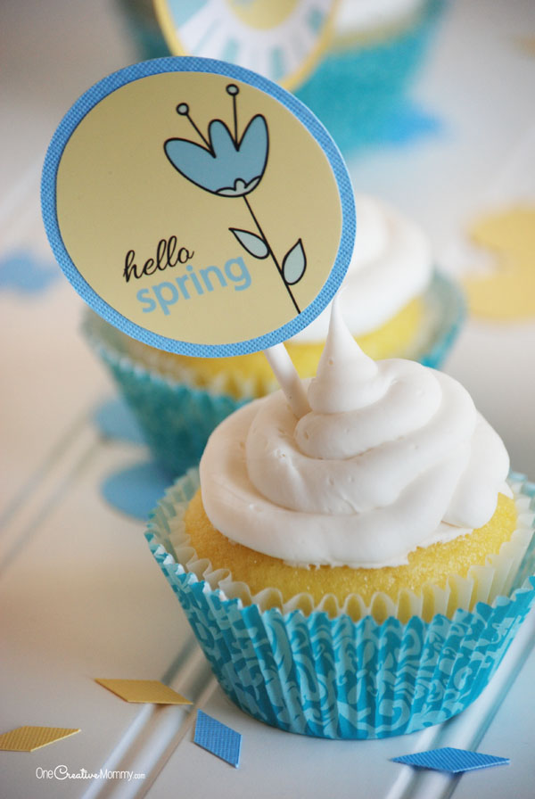 Welcome Spring with these adorable Printable Cupcake Toppers from OneCreativeMommy.com! Great for a friend or neighbor gift to bring a smile on a gloomy day