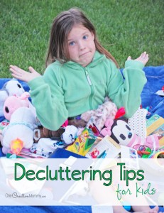If you have a house full of pack rats, you must see these decluttering tips for kids! {OneCreativeMommy.com} Spring De-Junk Challenge