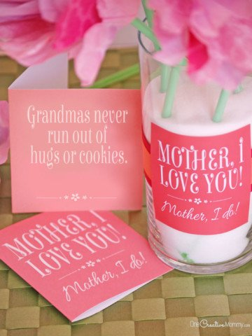 2 Free Printables for Mother's Day {One for Mom and one for Grandma!} OneCreativemommy.com