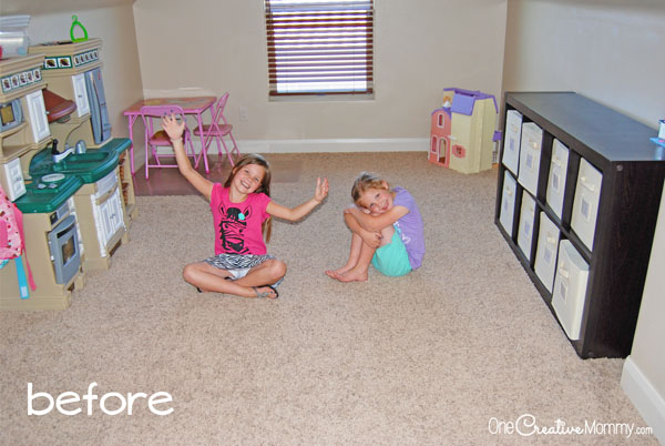 Small Space Living -- You won't believe what this mom did with the playroom! {OneCreativeMommy.com}
