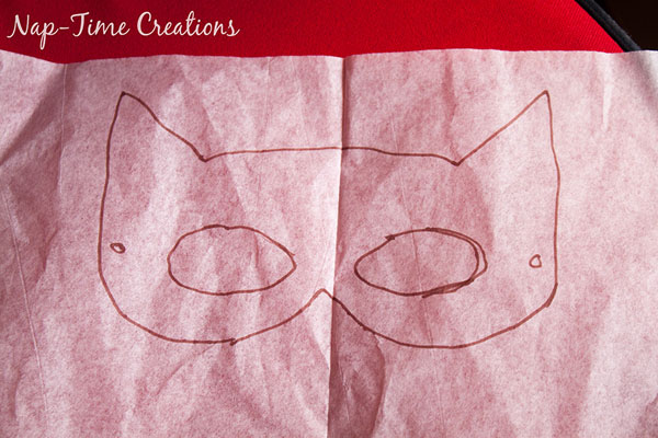 How to make Felt Superhero Masks {Nap-time Creations on OneCreativeMommy.com}