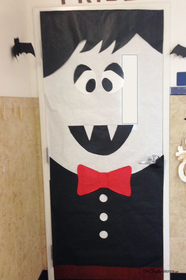 Dracula Door | Quick and Easy Halloween Classroom Door Decorations {OneCreativeMommy.com}