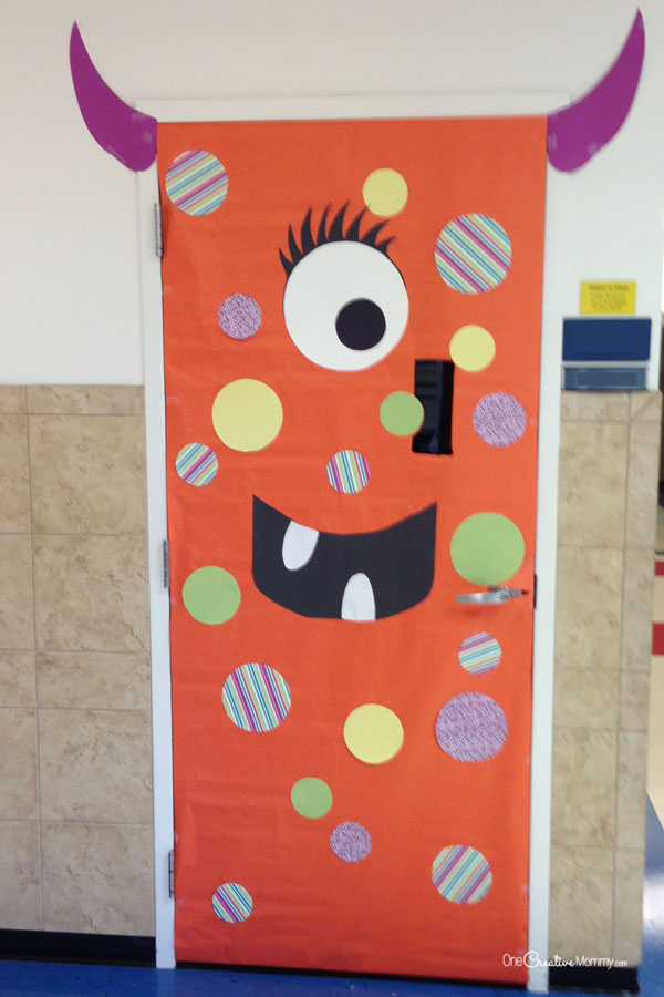 Simple Polka Dotted Monster Idea | Quick and Easy Halloween Classroom Door Decorations {OneCreativeMommy.com}