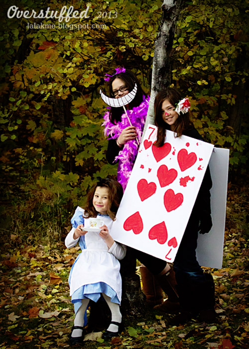 These Alice's Adventures in Wonderland costumes are absolutely gorgeous! {Featured on OneCreativeMommy.com's Couples and Family Halloween Costume Roundup}