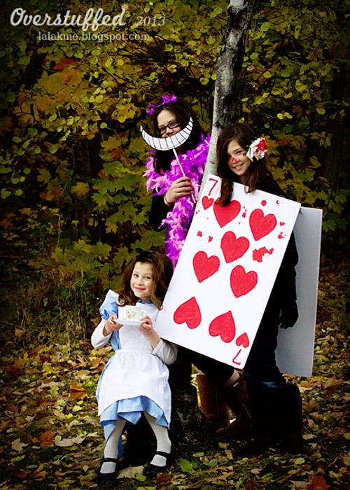 Alice In Wonderland Halloween Costume Family.21 Freakishly Fun Couples And Family Halloween Costumes