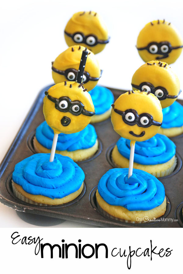 Chocolate Dipped Oreos makes these Minion Cupcakes two treats in one! {OneCreativeMommy.com} Fun Minion Party Idea!