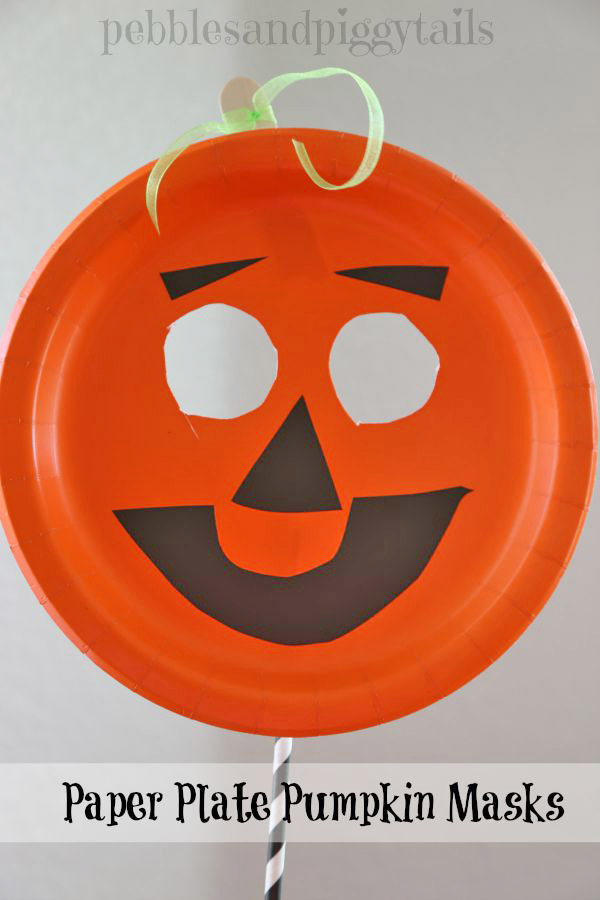 This cute paper plate pumpkin mask looks like such an easy Halloween craft to make with  sc 1 st  OneCreativeMommy.com & Easy Paper Plate Pumpkin Mask - onecreativemommy.com