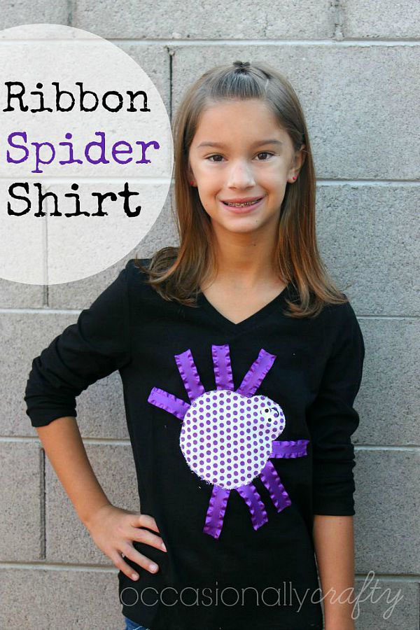 I love this cute and easy ribbon spider Halloween shirt! Such an easy DIY to make with kids! {Occasionally Crafty guest post on OneCreativeMommy.com} Great Halloween Craft!