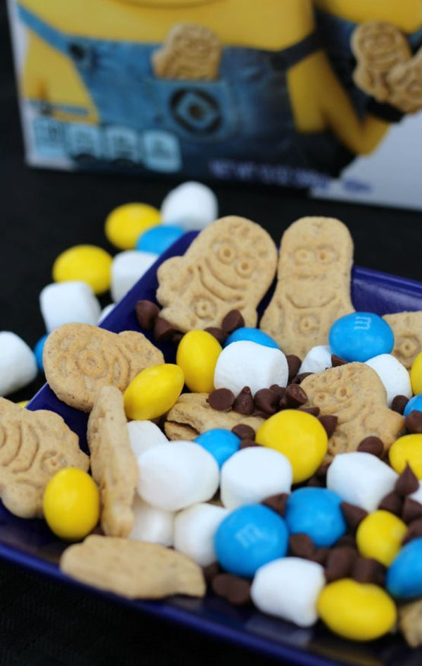 Minions Smores Snack Mix from Thrifty DIY Diva | Featured on Minions Party Roundup {OneCreativeMommy.com} So many great ideas!