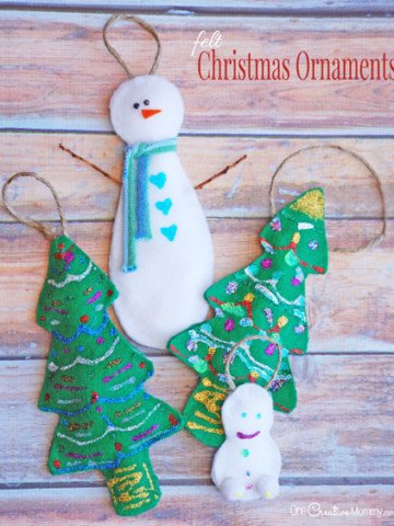 These felt Christmas ornaments are such a fun kids craft! {OneCreativeMommy.com} You only need a few supplies to make these Christmas ornaments for kids!