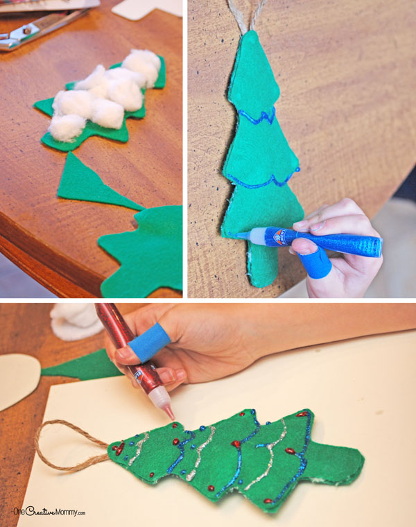 These Christmas tree door hangers and ornaments are such a fun kids craft! Perfect as Christmas ornaments or doorknob hangers. {OneCreativeMommy.com} Christmas Ornaments for Kids