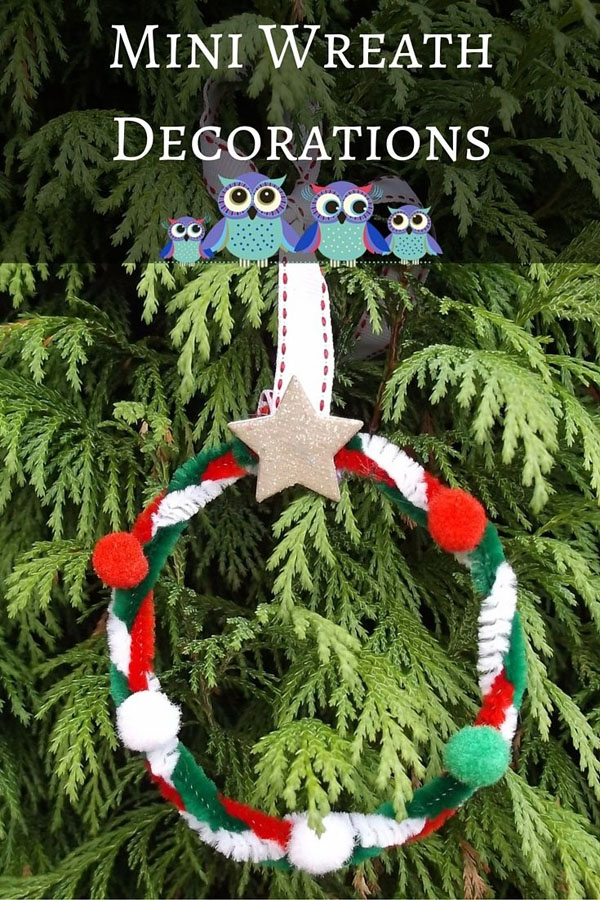 Mini Wreath Ornaments|Featured with 33+ Handmade Christmas Ornaments to Make with Your Kids! {OneCreativeMommy.com}