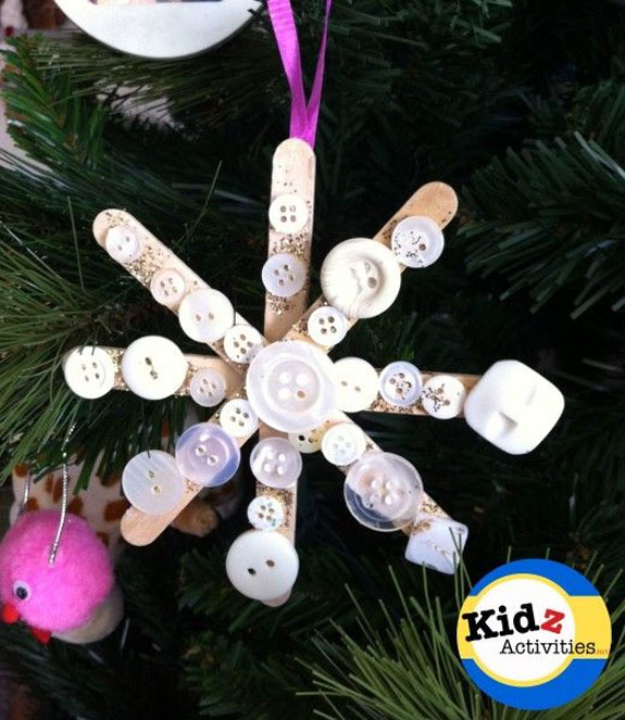 Snowflake Preschool Craft |Featured with 33+ Handmade Christmas Ornaments to Make with Your Kids! {OneCreativeMommy.com}