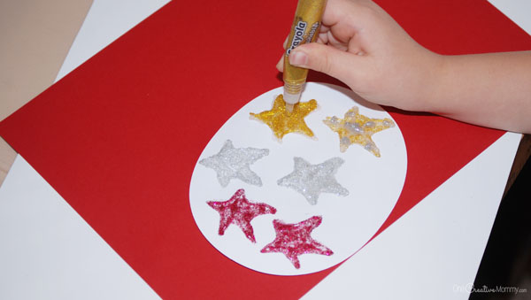 Yarn Tree Christmas Craft for Kids -- Making the stars