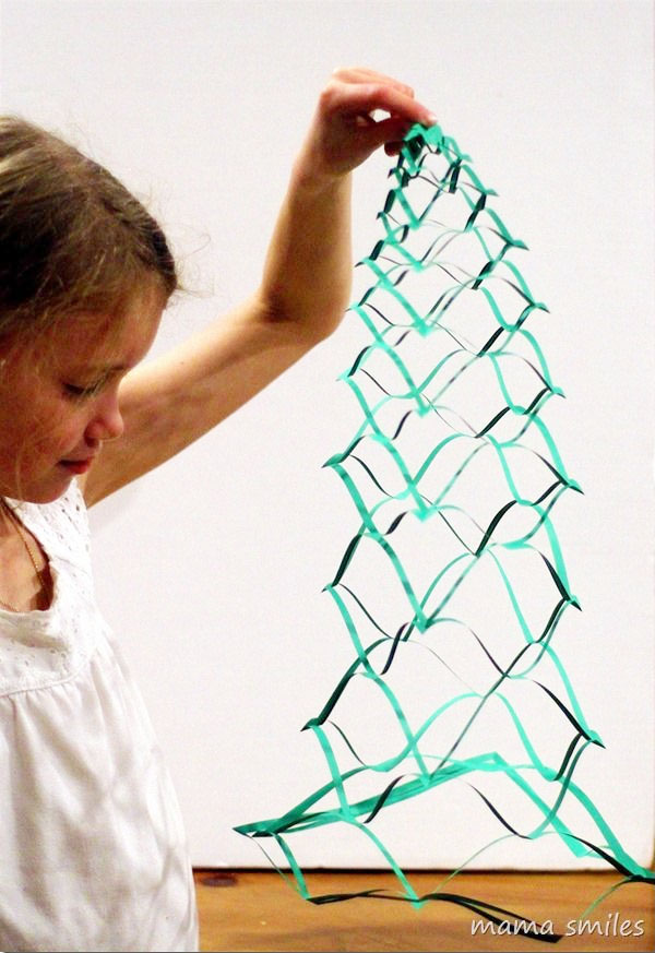 Cool 3D Christmas Trees Printable Kids Craft | Featured with 29 Awesome Classroom Christmas Party Ideas {OneCreativeMommy.com}
