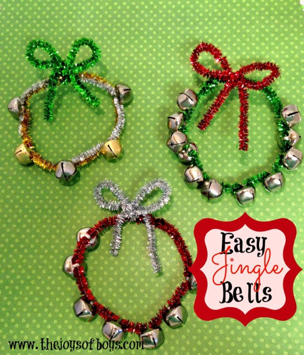 Easy Jingle Bells Kids Craft | Featured with 29 Awesome Classroom Christmas Party Ideas {OneCreativeMommy.com}